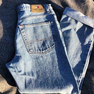 VTG Tommy Hilfiger Light Wash Jean Size 32/30